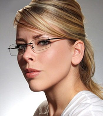 How Are Rimless Eyeglasses Beneficial?